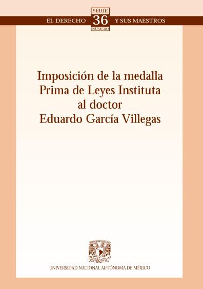 Imposición de la medalla Prima de Leyes Instituta al doctor Eduardo García Villegas. Colección Facultad de Derecho